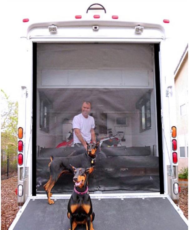 STYLE 2 Zip toy hauler screen